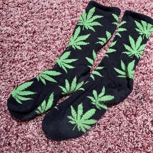 Huffs back and green weed socks - used